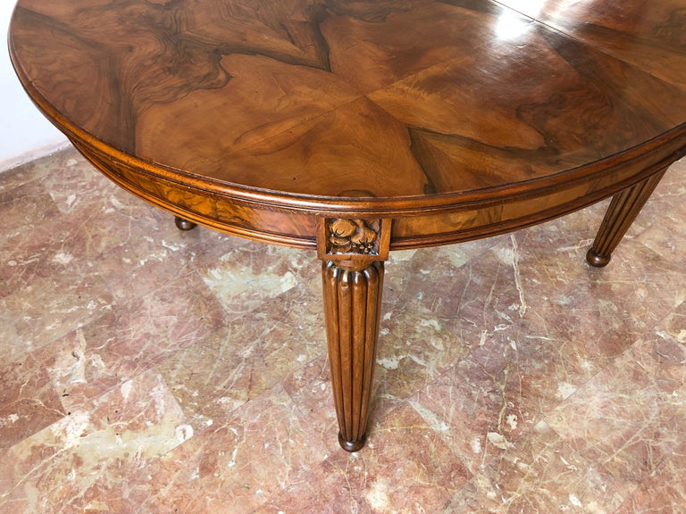 French Liberty Art Nouveau Dining Table in Walnut, 1920s For Sale 4
