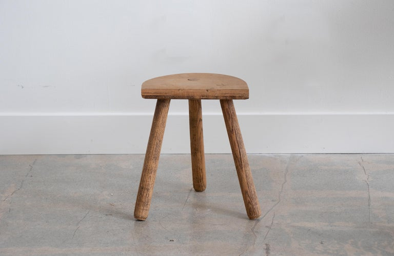 French Light Wood Tripod Stool In Good Condition For Sale In Los Angeles, CA