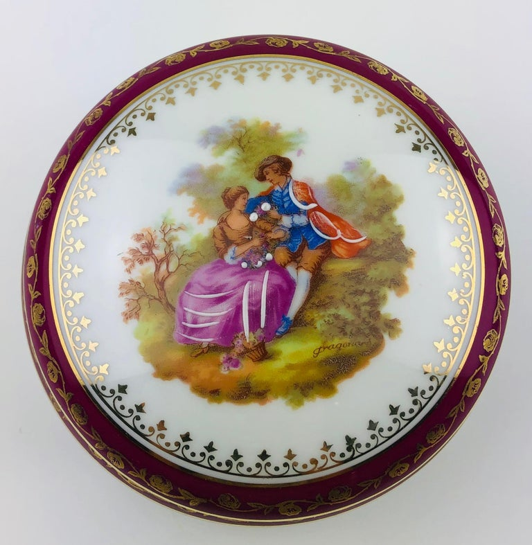 Beautiful Limoges handcrafted and hand painted gold trimmed trinket, jewelry box or candy dish, circa 1930.  Signed, Jammet Seignolles Limoges (history of this maker below). Glazed.  Measures: 4 3/8
