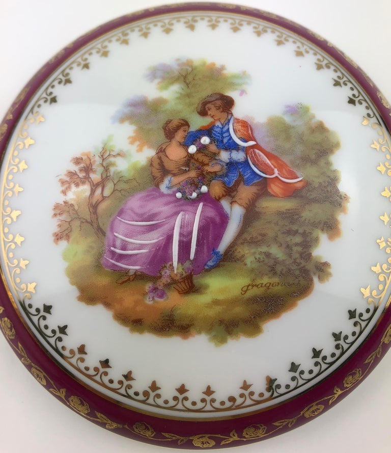20th Century French Limoges Hand Painted Gold Trim Trinket, Jewelry Box or Candy Dish For Sale