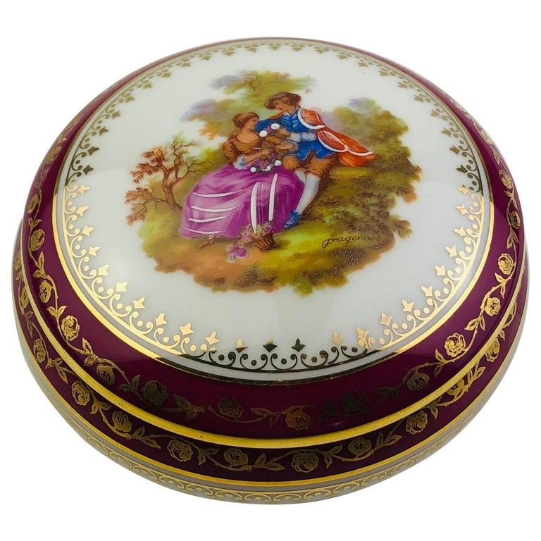 French Limoges Hand Painted Gold Trim Trinket, Jewelry Box or Candy Dish For Sale