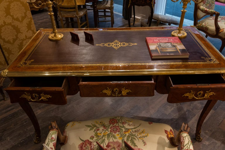 French Louis Period, Flat Violetwood Desk with Gilt-Bronze Decoration circa 1750 For Sale 9