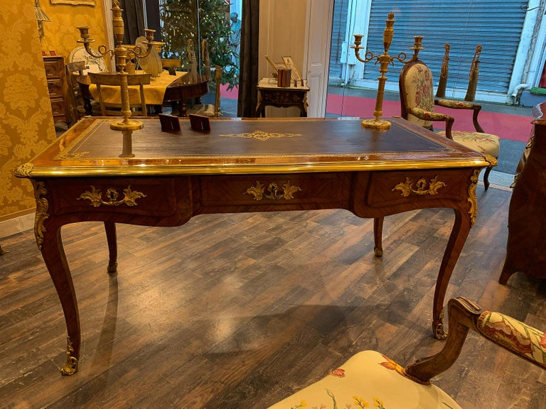 French Louis Period, Flat Violetwood Desk with Gilt-Bronze Decoration circa 1750 For Sale 10