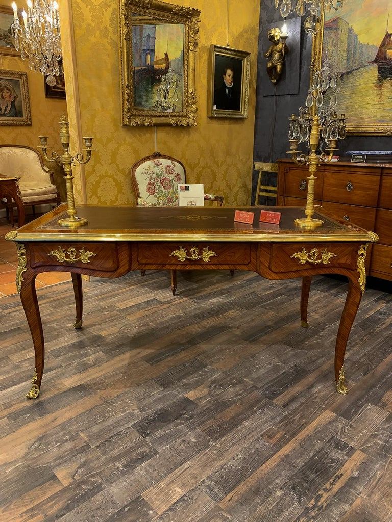 French Louis Period, Flat Violetwood Desk with Gilt-Bronze Decoration circa 1750 For Sale 1