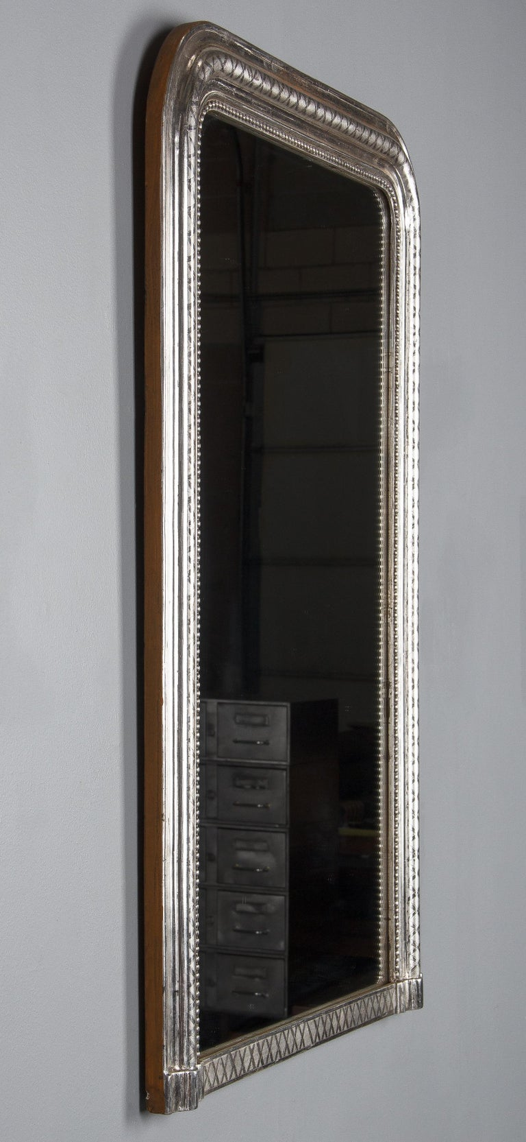 French Louis Philippe Silver Leaf Mirror, Mid-1800s In Good Condition For Sale In Austin, TX