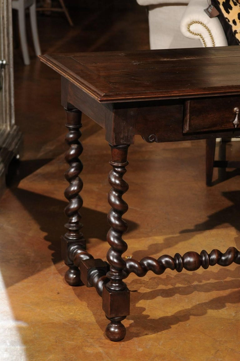 french louis xiii style 1820s side table with barley twist. Black Bedroom Furniture Sets. Home Design Ideas