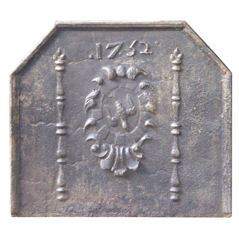 French Louis XIV 'Coat of Arms' Fireback, 18th Century For Sale