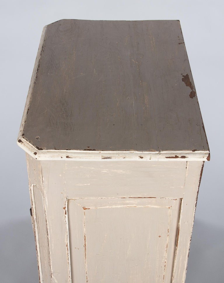 French Louis XIV Painted Oak Confiturier Cabinet, 18th Century For Sale 8