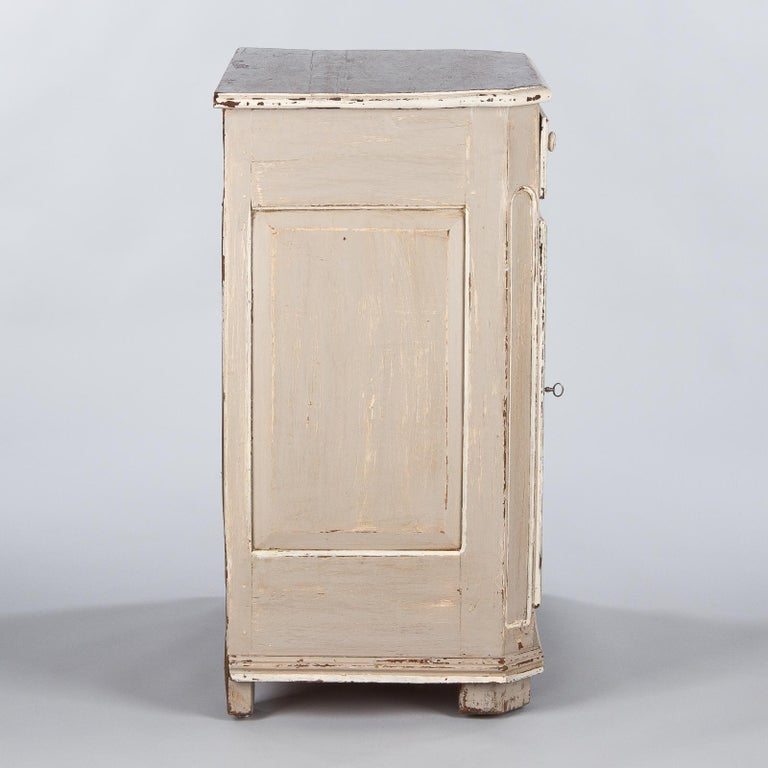 French Louis XIV Painted Oak Confiturier Cabinet, 18th Century For Sale 14