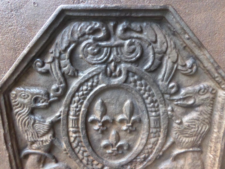 French Louis XIV Style 'Arms of France' Fireback In Good Condition In Amerongen, NL