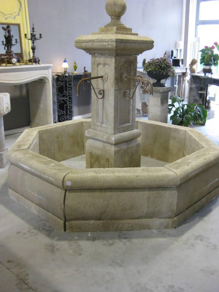 20th Century French Louis XIV Style Fountain Hand-Carved in Limestone, Provence, France For Sale