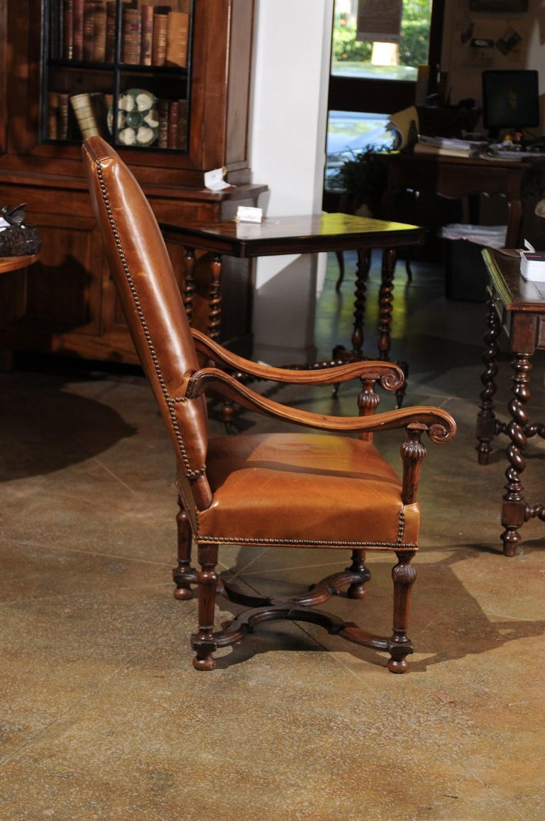 French Louis XIV Style Late 19th Century Beech Fauteuil with Leather Upholstery For Sale 6