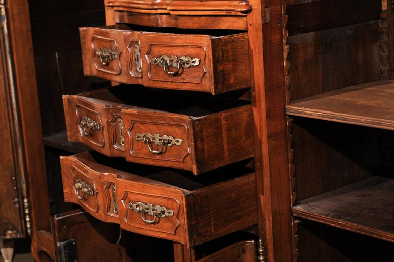 French Louis XV 18th Century Walnut Provençal Bookcase with Doors and Drawers For Sale 5