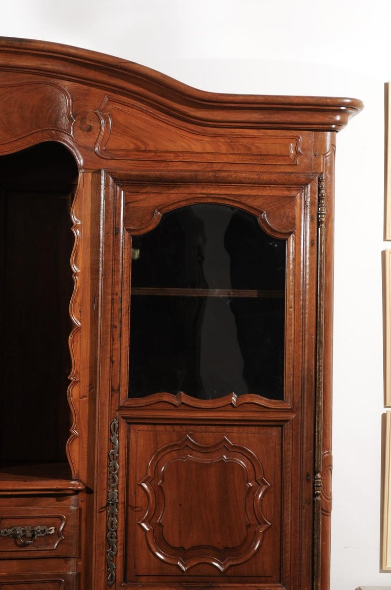 French Louis XV 18th Century Walnut Provençal Bookcase with Doors and Drawers In Good Condition For Sale In Atlanta, GA