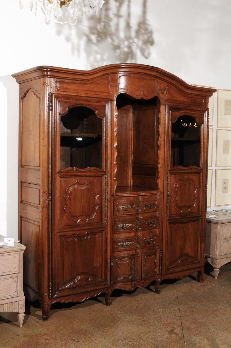 French Louis XV 18th Century Walnut Provençal Bookcase with Doors and Drawers For Sale 1