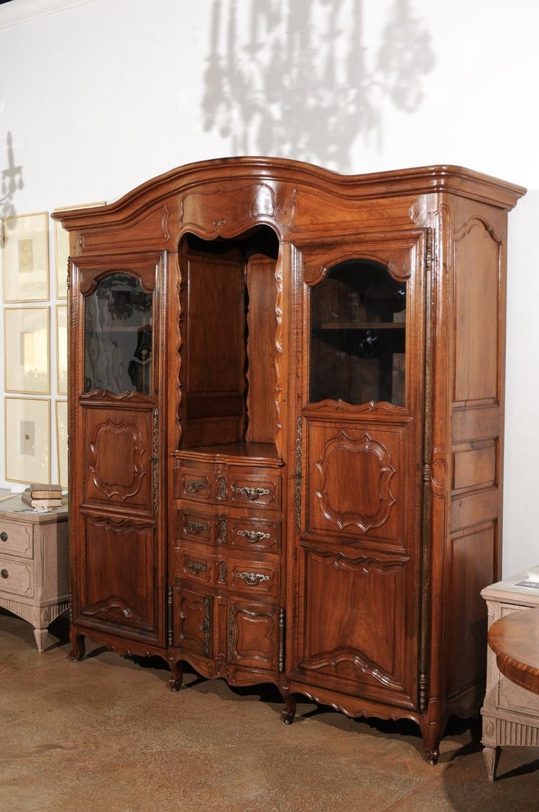 French Louis XV 18th Century Walnut Provençal Bookcase with Doors and Drawers For Sale 2