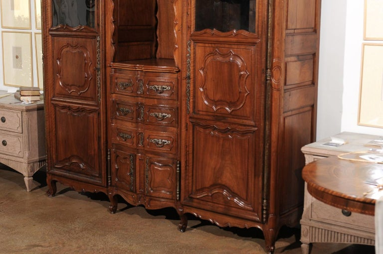 French Louis XV 18th Century Walnut Provençal Bookcase with Doors and Drawers For Sale 3