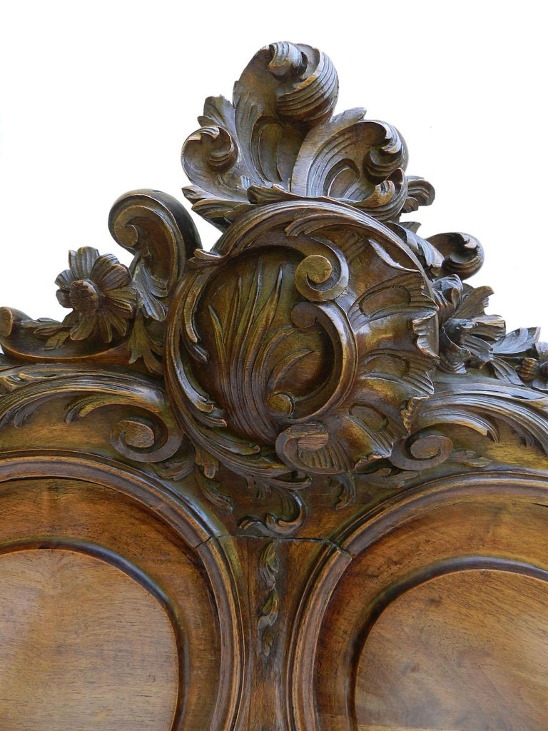 Hand-Carved French Louis XV Bed 19th century Rococo US Queen UK King size European King For Sale