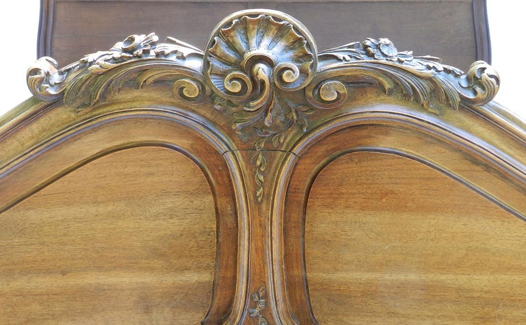 French Louis XV Bed 19th century Rococo US Queen UK King size European King In Good Condition For Sale In France, GB