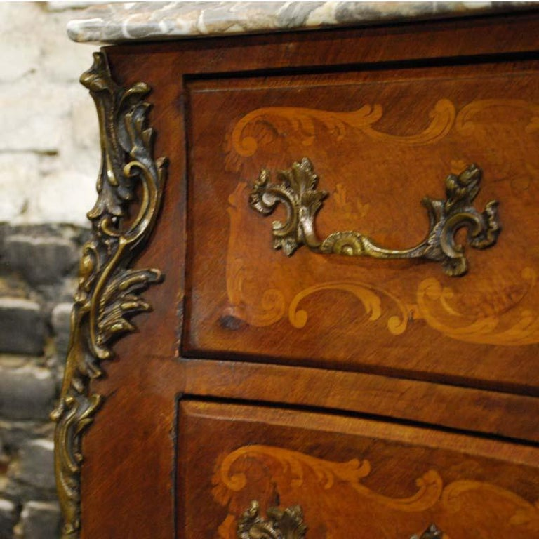 French Louis XV Bombe Commode in Mahogany with Marble Top For Sale 5
