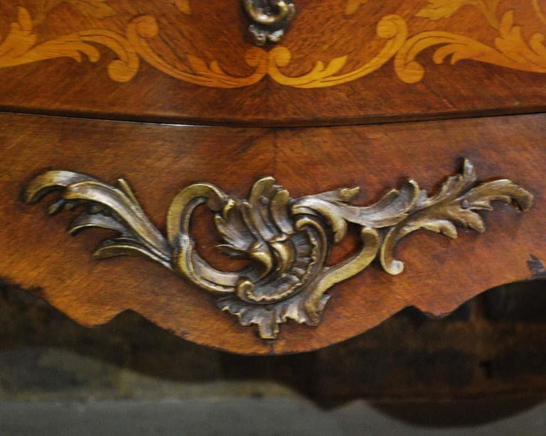 French Louis XV Bombe Commode in Mahogany with Marble Top For Sale 7