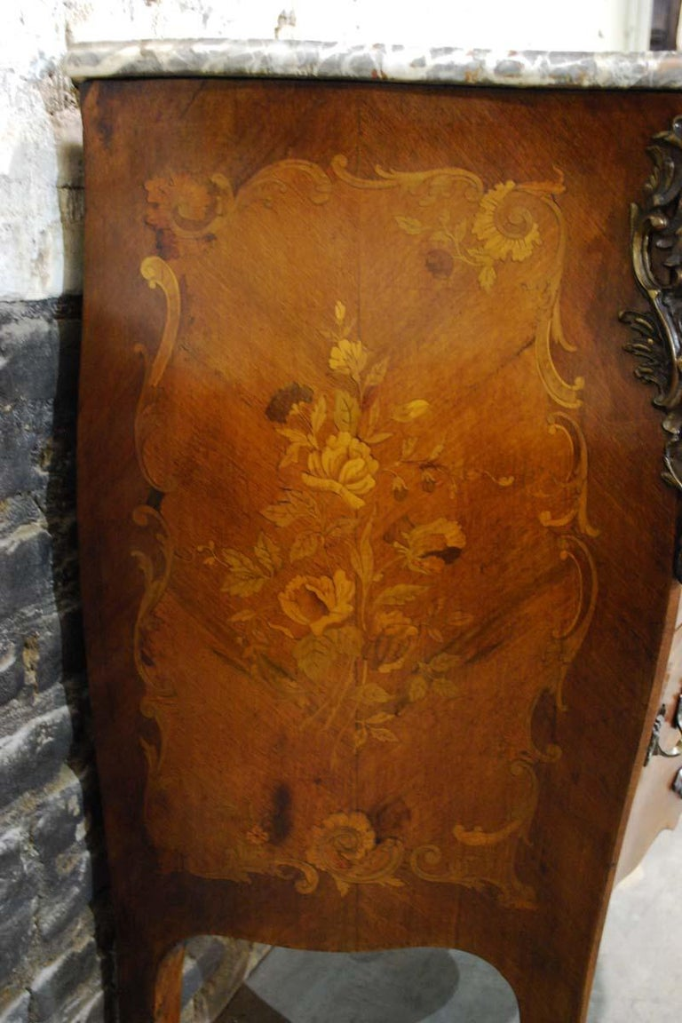 French Louis XV Bombe Commode in Mahogany with Marble Top For Sale 1