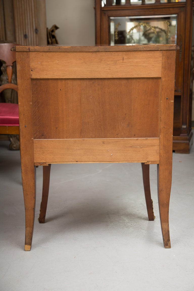 French Louis XV Marquetry Single-Door Cabinet In Good Condition For Sale In WEST PALM BEACH, FL