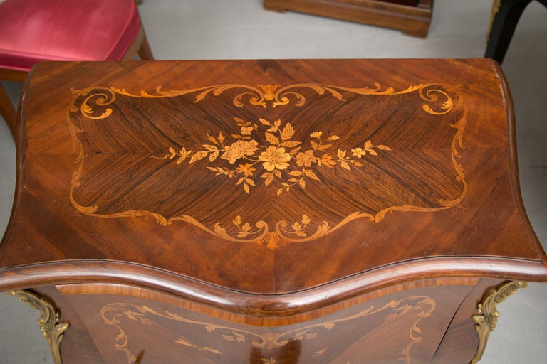 French Louis XV Marquetry Single-Door Cabinet For Sale 3