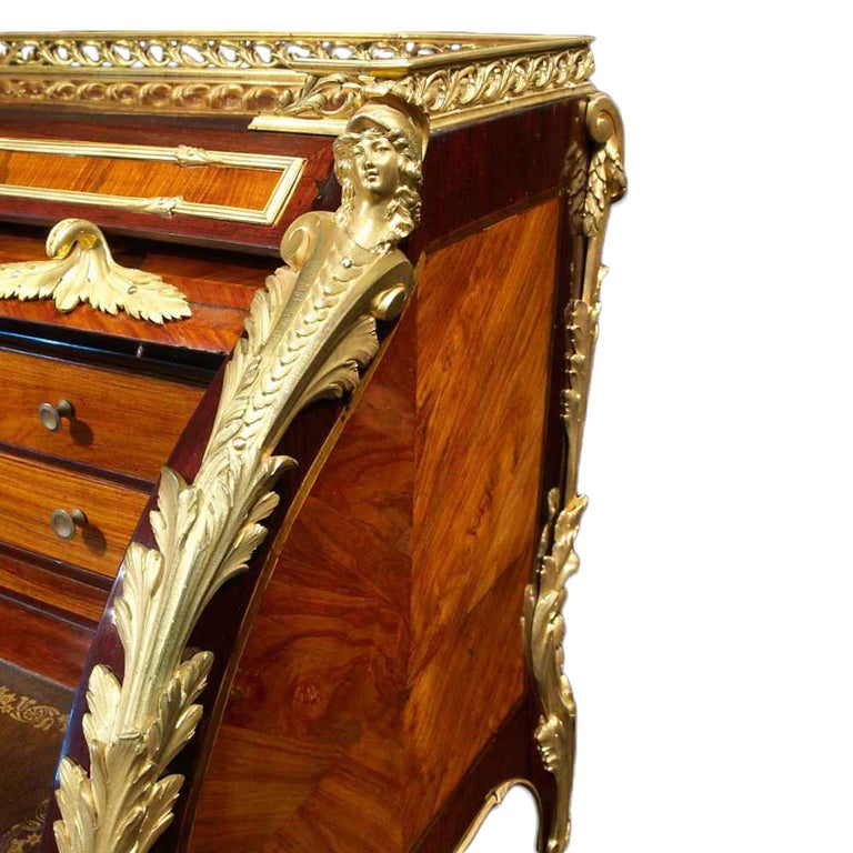 French Louis XV period 18th century 'bureau a cylindre', circa 1750 In Excellent Condition For Sale In West Palm Beach, FL