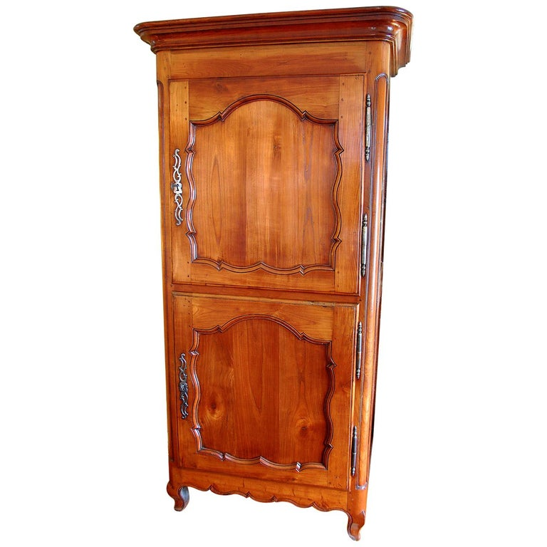 French Louis XV Period Cherry and Chestnut Two-Door Bonnetiere For Sale