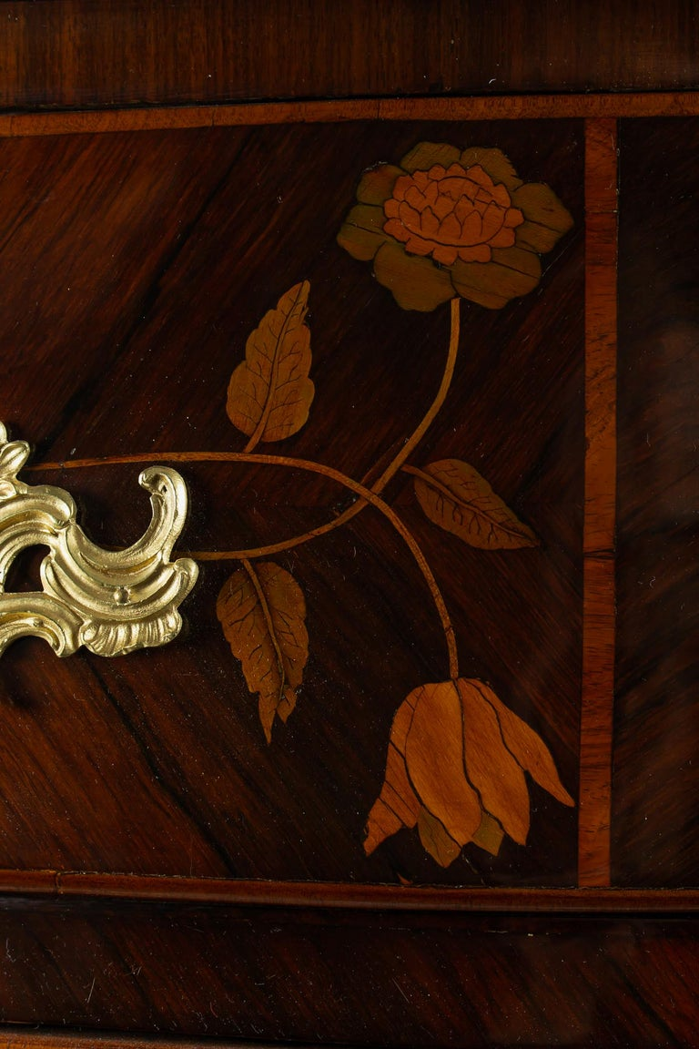 French Louis XV Period Flowers Marquetry Commode, circa 1740-1750 For Sale 4