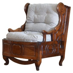 French Louis XV Period Walnut Metamorphic Chaise de Lit, Mid-18th Century