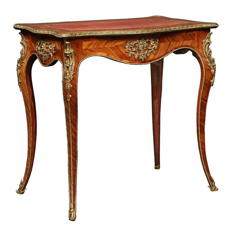 French Louis XV st. 19th Century Tulipwood marquetry table  In Excellent Condition For Sale In West Palm Beach, FL