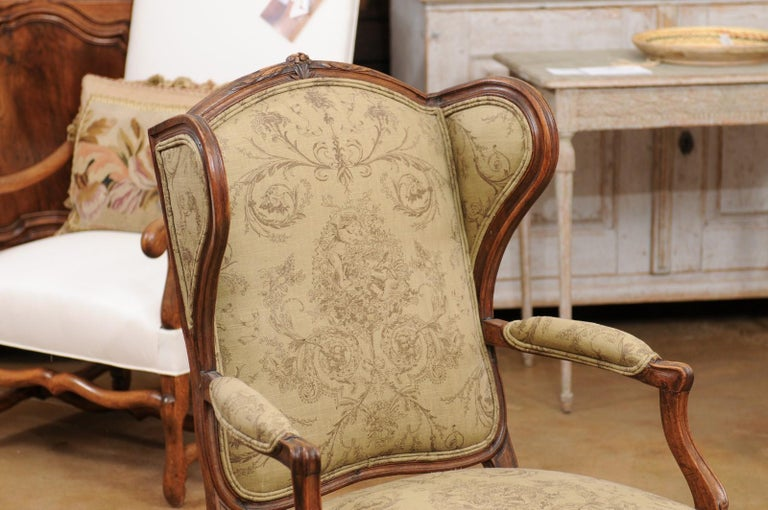French Louis XV Style 1890s Wingback Chair with Upholstery and Carved Motifs For Sale 1