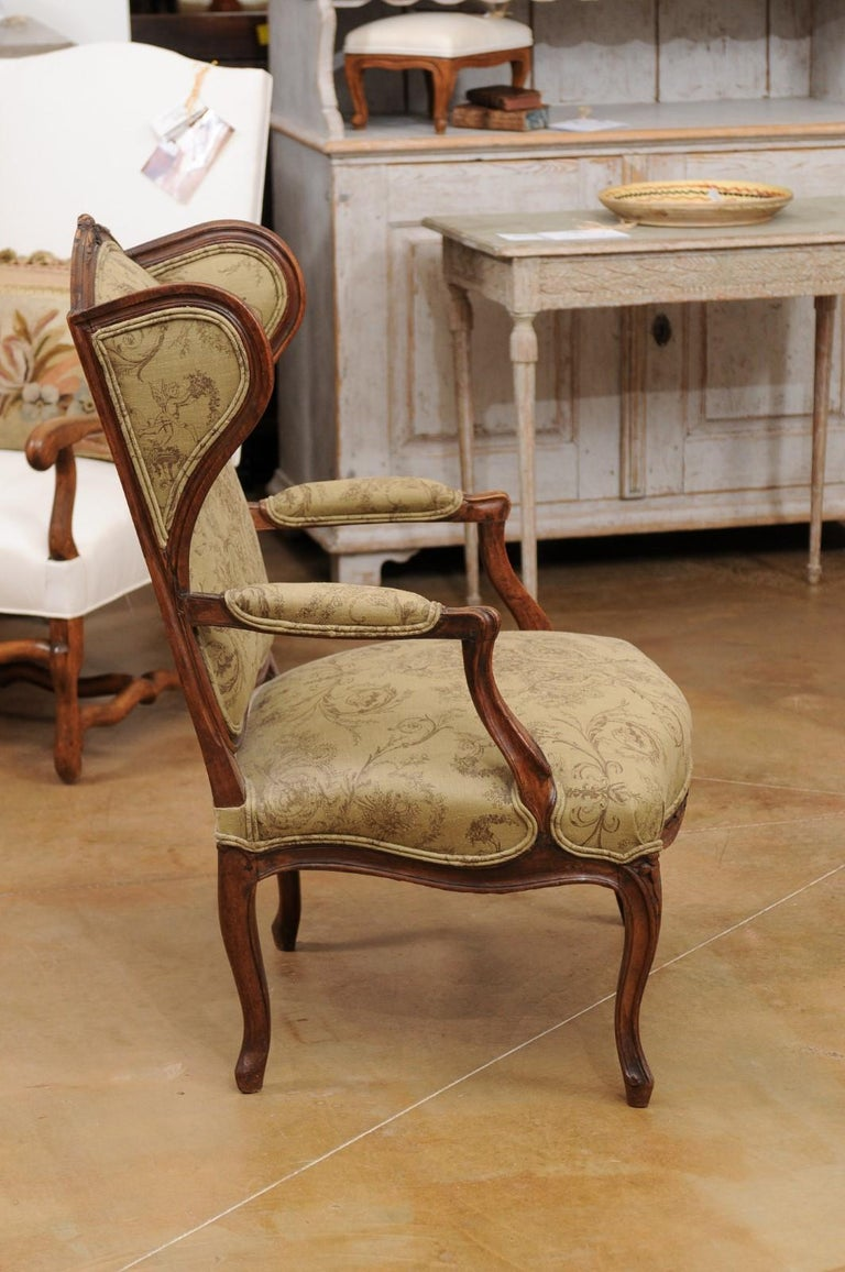 French Louis XV Style 1890s Wingback Chair with Upholstery and Carved Motifs For Sale 2