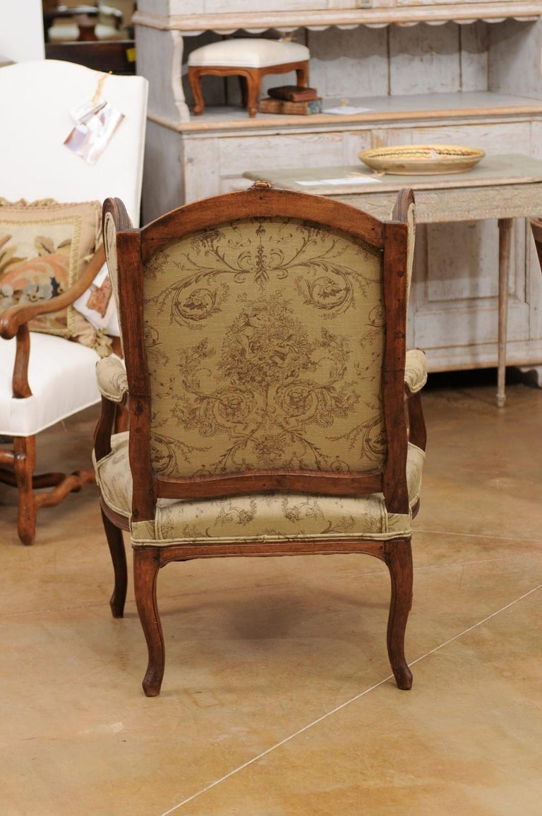 French Louis XV Style 1890s Wingback Chair with Upholstery and Carved Motifs For Sale 4