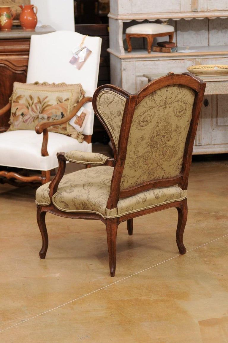 French Louis XV Style 1890s Wingback Chair with Upholstery and Carved Motifs For Sale 5