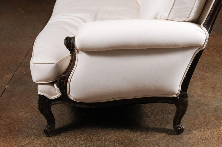 French Louis XV Style 19th Century Carved Wood Three-Seat Sofa with Shell Motifs For Sale 6