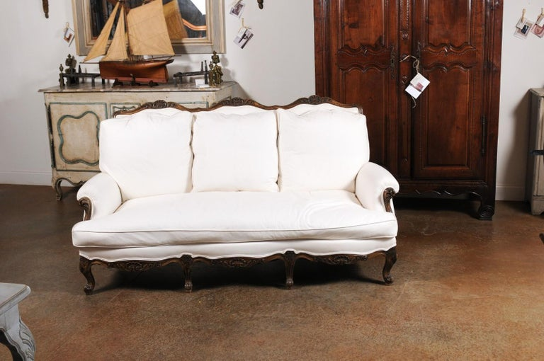 French Louis XV Style 19th Century Carved Wood Three-Seat Sofa with Shell Motifs In Good Condition For Sale In Atlanta, GA