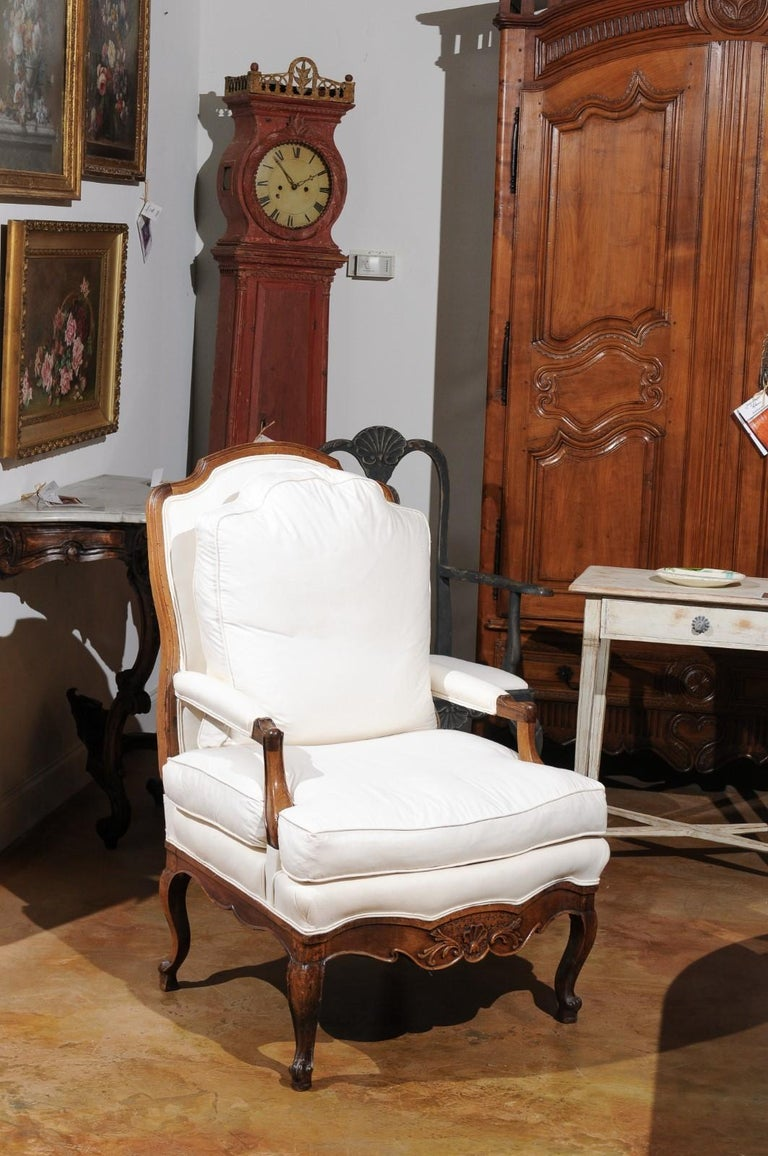 French Louis XV Style 19th Century Walnut Armchair with New Upholstery In Good Condition For Sale In Atlanta, GA