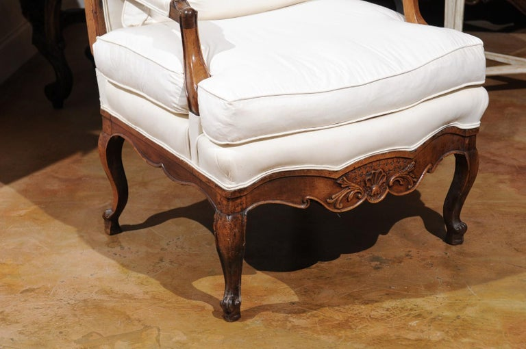French Louis XV Style 19th Century Walnut Armchair with New Upholstery For Sale 1