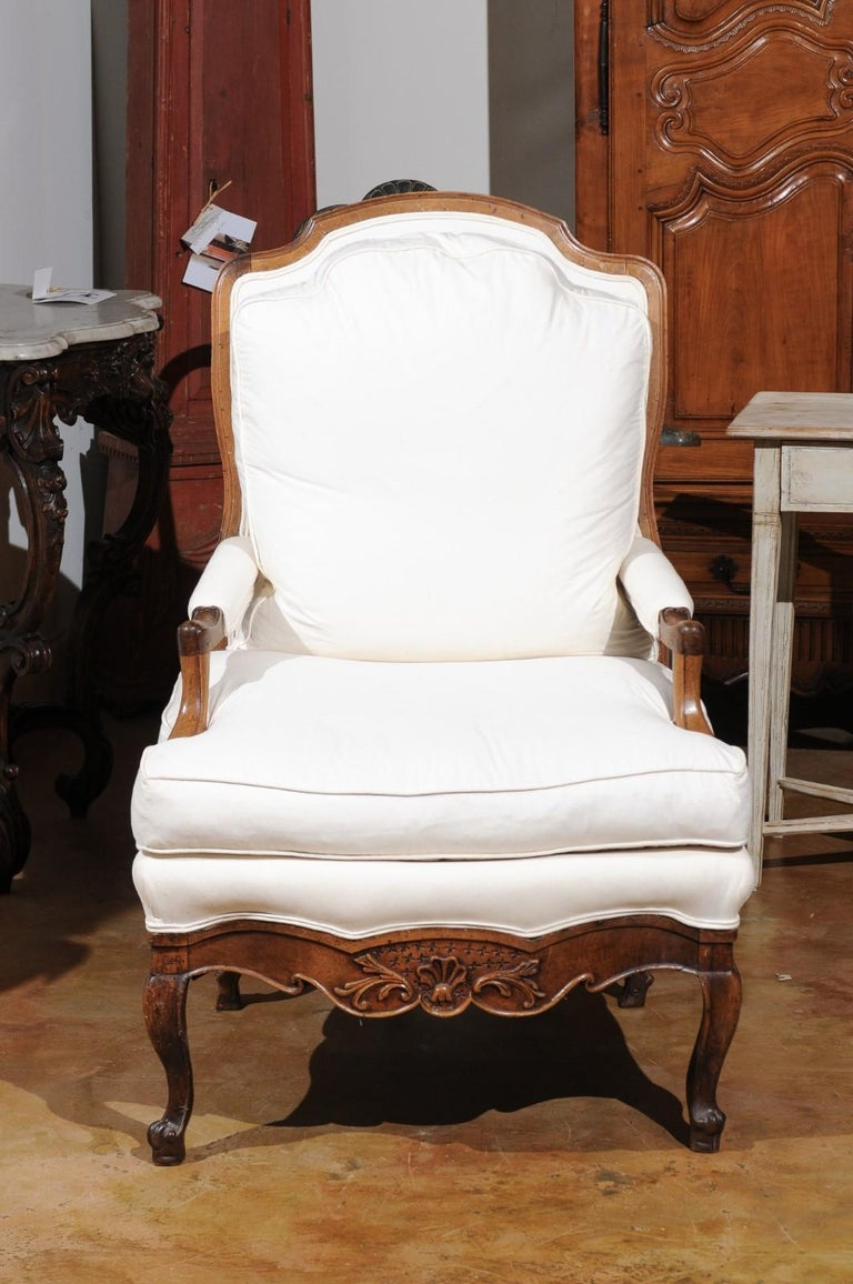 French Louis XV Style 19th Century Walnut Armchair with New Upholstery For Sale 3