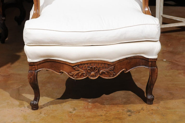 French Louis XV Style 19th Century Walnut Armchair with New Upholstery For Sale 4
