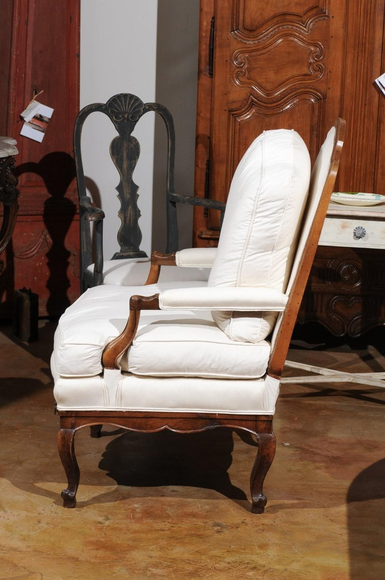 French Louis XV Style 19th Century Walnut Armchair with New Upholstery For Sale 5