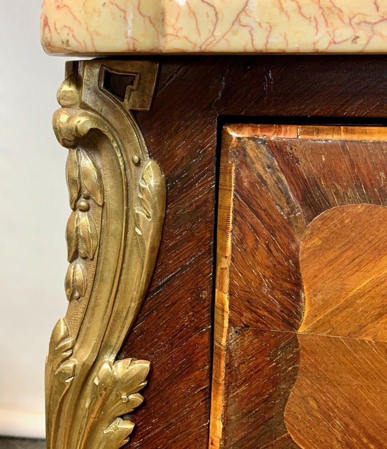 French Louis XV Style Bombé Commode For Sale 3