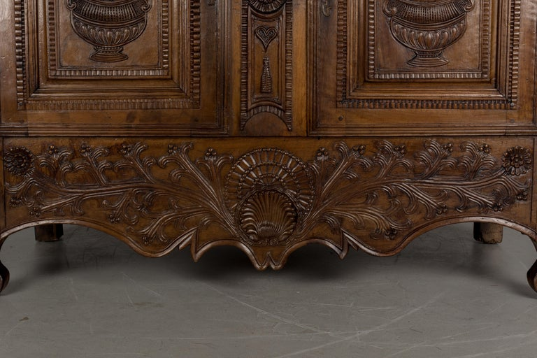 French Louis XV Style Buffet from Brittany For Sale 3
