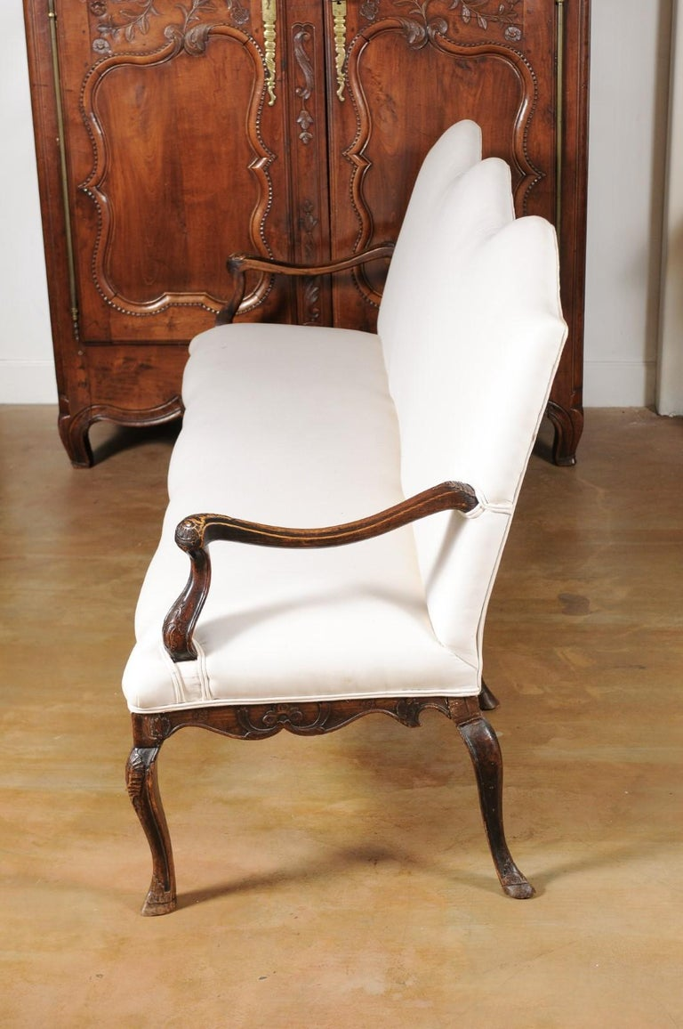 French Louis XV Style Carved 19th Century Upholstered Canapé with Cabriole Legs For Sale 8
