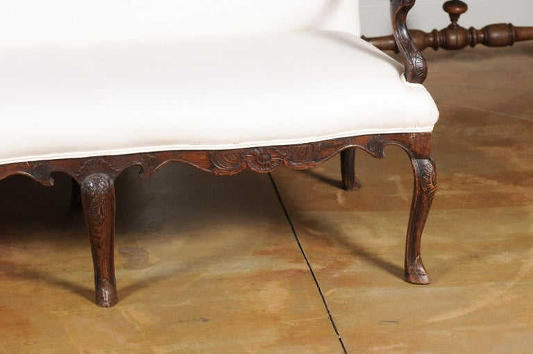 French Louis XV Style Carved 19th Century Upholstered Canapé with Cabriole Legs For Sale 1