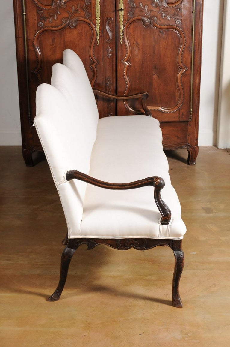 French Louis XV Style Carved 19th Century Upholstered Canapé with Cabriole Legs For Sale 4
