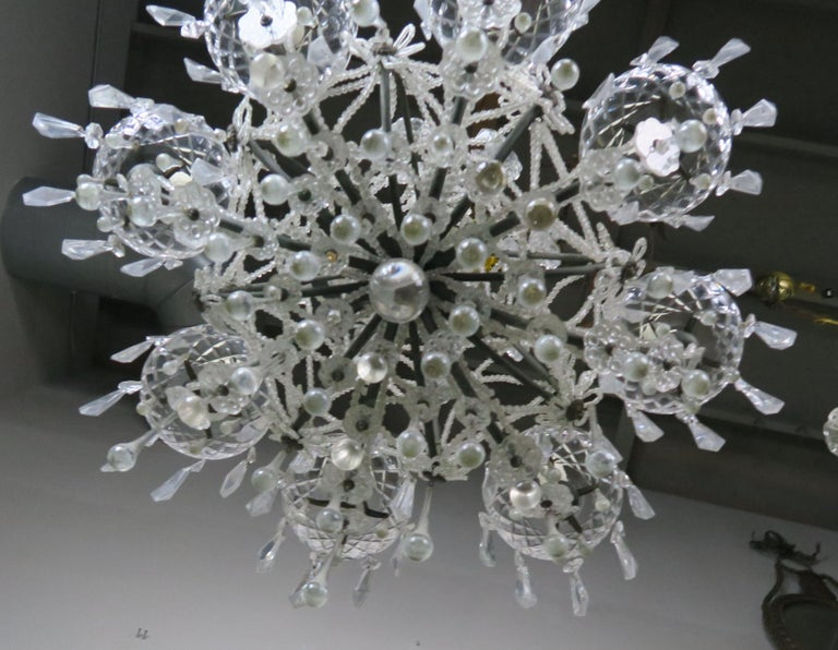French Louis XV Style Crystal Chandelier, circa 1940s For Sale 8